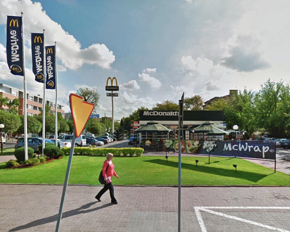 McDonald'd Pruszków - Google maps